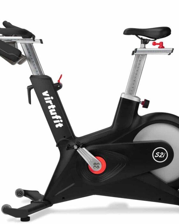virtufit-indoor-cycle-s2i-spinningfiets-zijkant